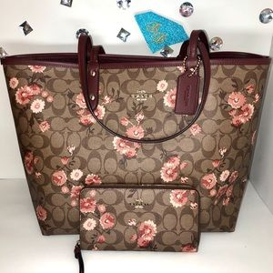 COACH💎PRARIE DAISY REVERSIBLE TOTE + PHONE WALLET